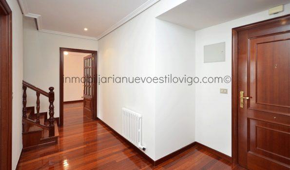 Amplio y soleado dúplex de cuatro dormitorios con dos plazas de garaje, C/ México-Vigo_zona Gran Vía/Corte Inglés
