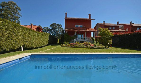 Amplio chalet independiente, con bonita parcela con piscina, C/ Mourisca-Gondomar_zona interior playas