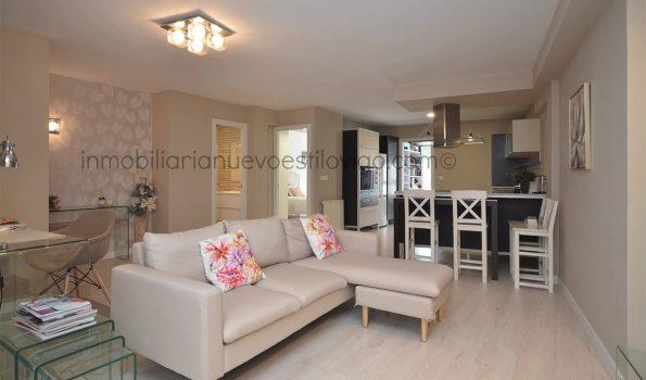 Amplio y moderno apartamento de dos dormitorios y un baño, C/ Paraguay-Vigo_zona Corte Inglés