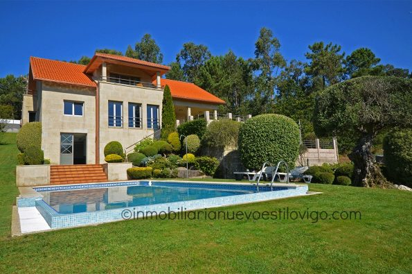 Impecable chalet con piscina y estupendas vistas en Redondela_Vigo-zona playas interior