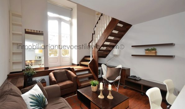 Soleado dúplex de un dormitorio en el edificio El Moderno, C/ Policarpo Sanz-Vigo_zona centro