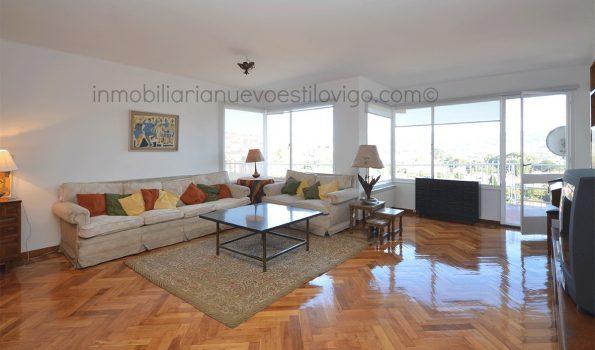 Amplia y luminosa vivienda de cuatro dormitorios, con terraza, C/ Gran Vía_Vigo-zona Plaza España