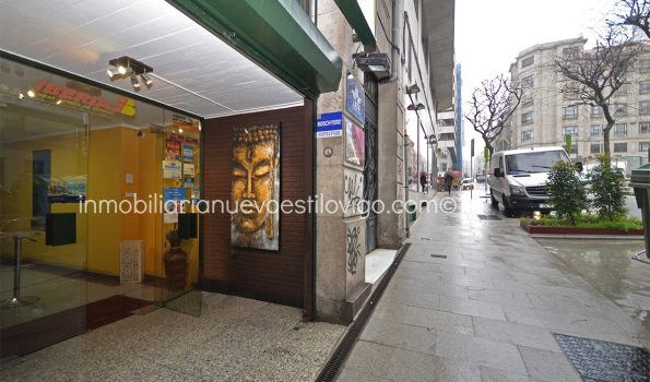 Local comercial a pleno rendimiento en zona de gran afluencia C/ María Berdiales_Vigo-zona centro