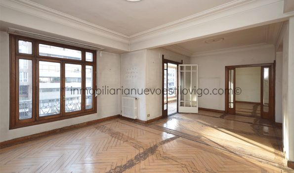 Gran vivienda antigua para rehabilitar, con muchas posibilidades, C/ Gran Vía_Vigo-zona Gran Vía/Urzaiz