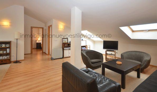 Bonito ático de dos dormitorios, C/ Costa Castrelos-Vigo_zona Castrelos