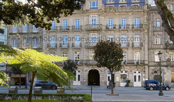 Soleada vivienda de dos dormitorios con garaje, C/ Plaza de Compostela-Vigo_zona centro/Alameda