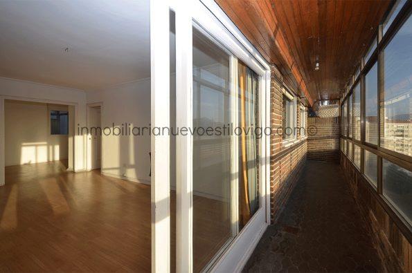 Soleada vivienda de tres dormitorios con garaje, C/ Camelias-Vigo_zona Camelias