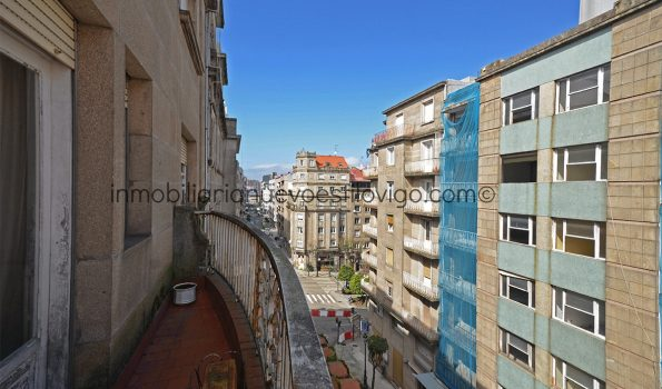 Gran piso de 5 dormitorios y 2 plazas de garaje en la C/ Bolivia-Vigo_zona Gran Vía/Corte Inglés