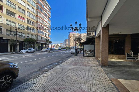 Local para negocio de hosteleria con licencia en la C/ García Barbón-Vigo-zona centro