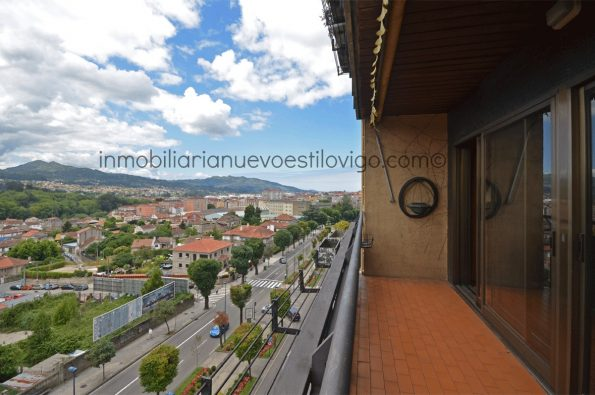 Luminosa vivienda con espectacular salón con terraza, C/ Gran Vía-Vigo_zona Traviesas