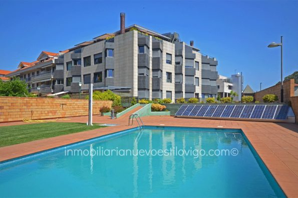 Vivienda en planta baja, de 3 dormitorios con garaje, en urbanización con piscina en Sabarís, Baiona_zona playas