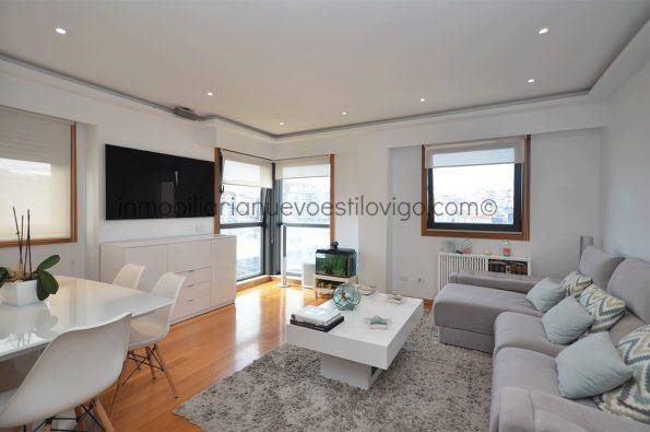 Soleada y luminosa vivienda de tres dormitorios con garaje, C/ García Barbón-Vigo_zona centro