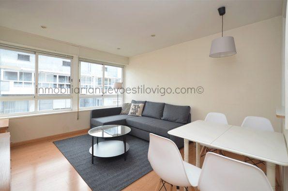 Soleado apartamento muy bien situado en C/ Velázquez Moreno-Vigo_zona Plaza Compostela